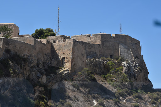 DSC_1360.jpg - Santa Barbara Castle and Fortress, Arab original then was the fortress for many different people.