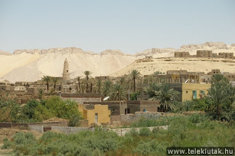 Photo: Dakhla oázis, sivatagi városka
