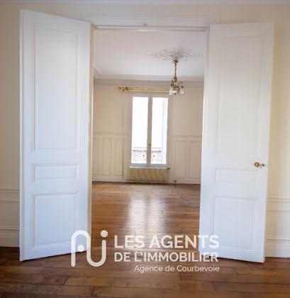 Location maison meublée 5 pièces 102 m2