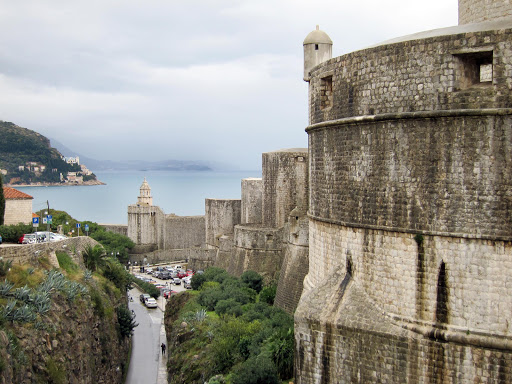 Dubrovnik-exterior-walls.jpg - A look at the imposing fortified walls of Dubrovnik.