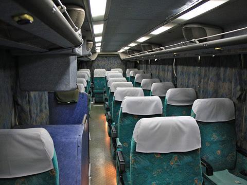 大分バス「トロピカル号」 42164 車内