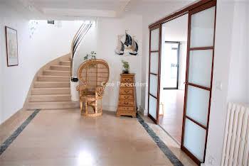 Maison 8 pièces 268 m2