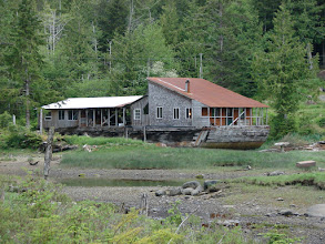Photo: House on a barge in Oona River.