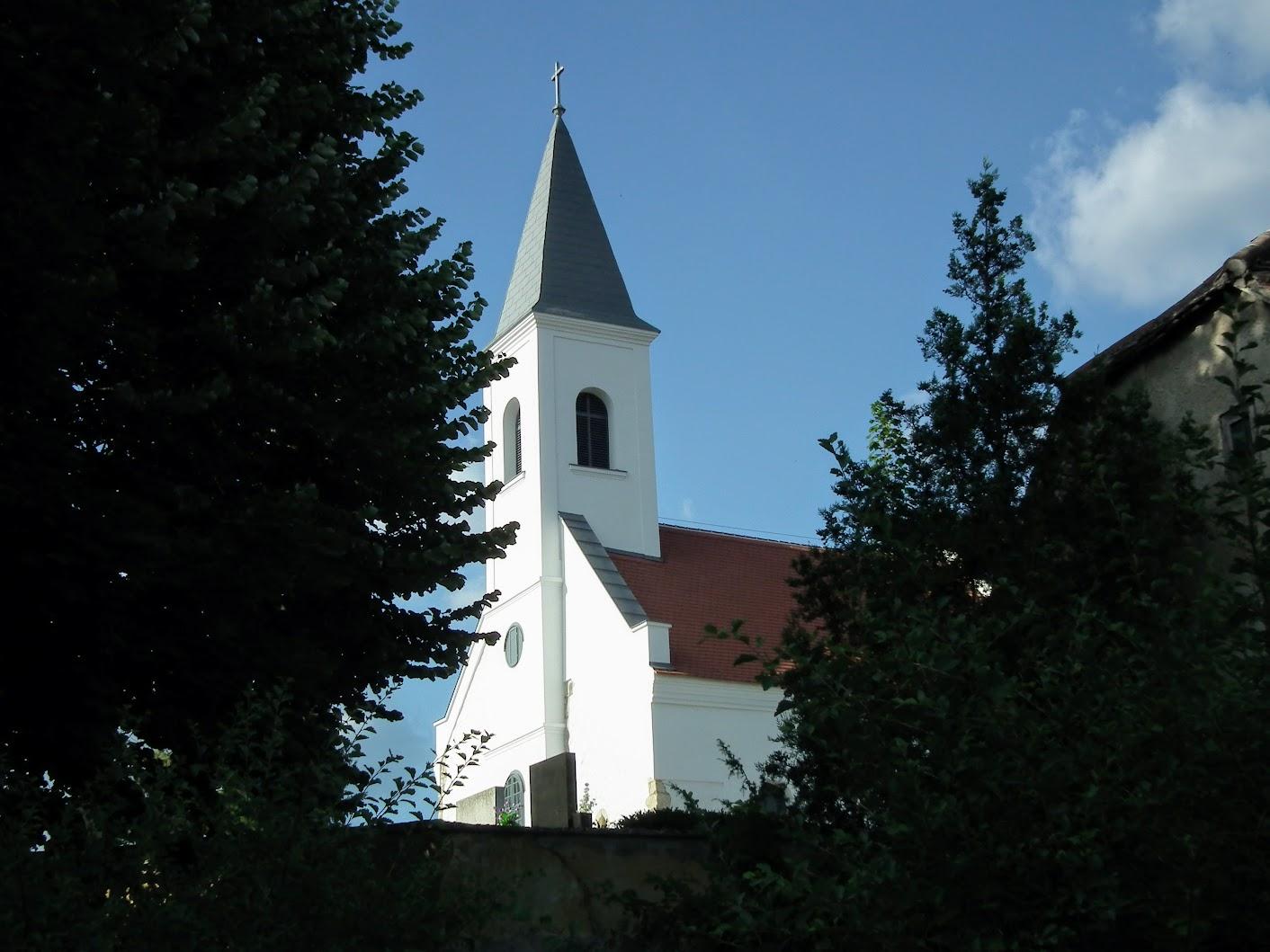 Pécsvárad - Mindenszentek kápolna a temetőben