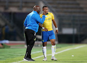 Mamelodi Sundowns coach Pitso Mosimane gives instructions to midfielder Andile Jali during the Telkom Knockout Cup match against Bloemfontein Celtic at the Lucas Moripe Stadium in Atteridgeville on October 20, 2018.