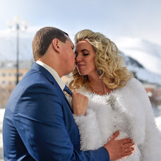 Wedding photographer Yuriy Grechikhin (highresolution). Photo of 27.05.2017