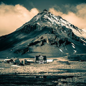 iceland-village-small.jpg