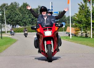 Photo: Willem en Lia....Lia kan met beide handen zwaaien!