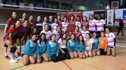 Mintonette Almería juegan contra Voley Murcia