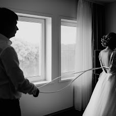 Wedding photographer Oksana Schemerova (oksanaschem). Photo of 19.06.2017