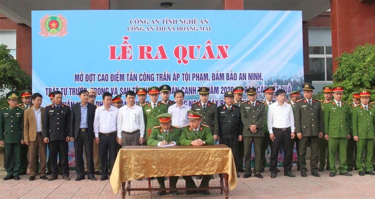 Các đội nghiệp vụ ký kết giao ước thi đua tại lễ ra quân tấn công, trấn áp tội phạm                   trước, trong và sau Tết Nguyên đán Canh Tý 2020