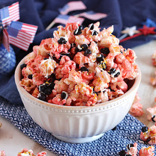White Chocolate Strawberry Popcorn with Blueberries (Red White and Blue Popcorn Mix)