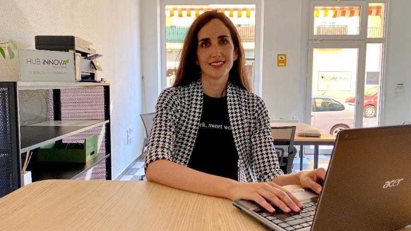 Verónica Díaz en su empre Hub Innova de Cuevas del Almanzora.