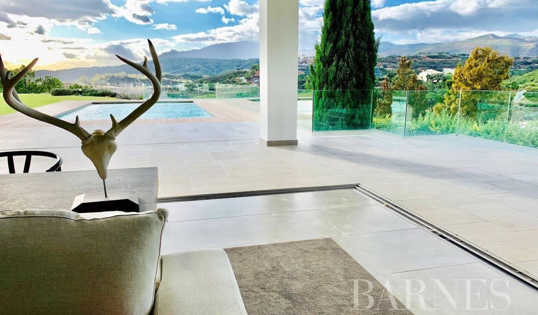 Villa with pool and garden Benahavís