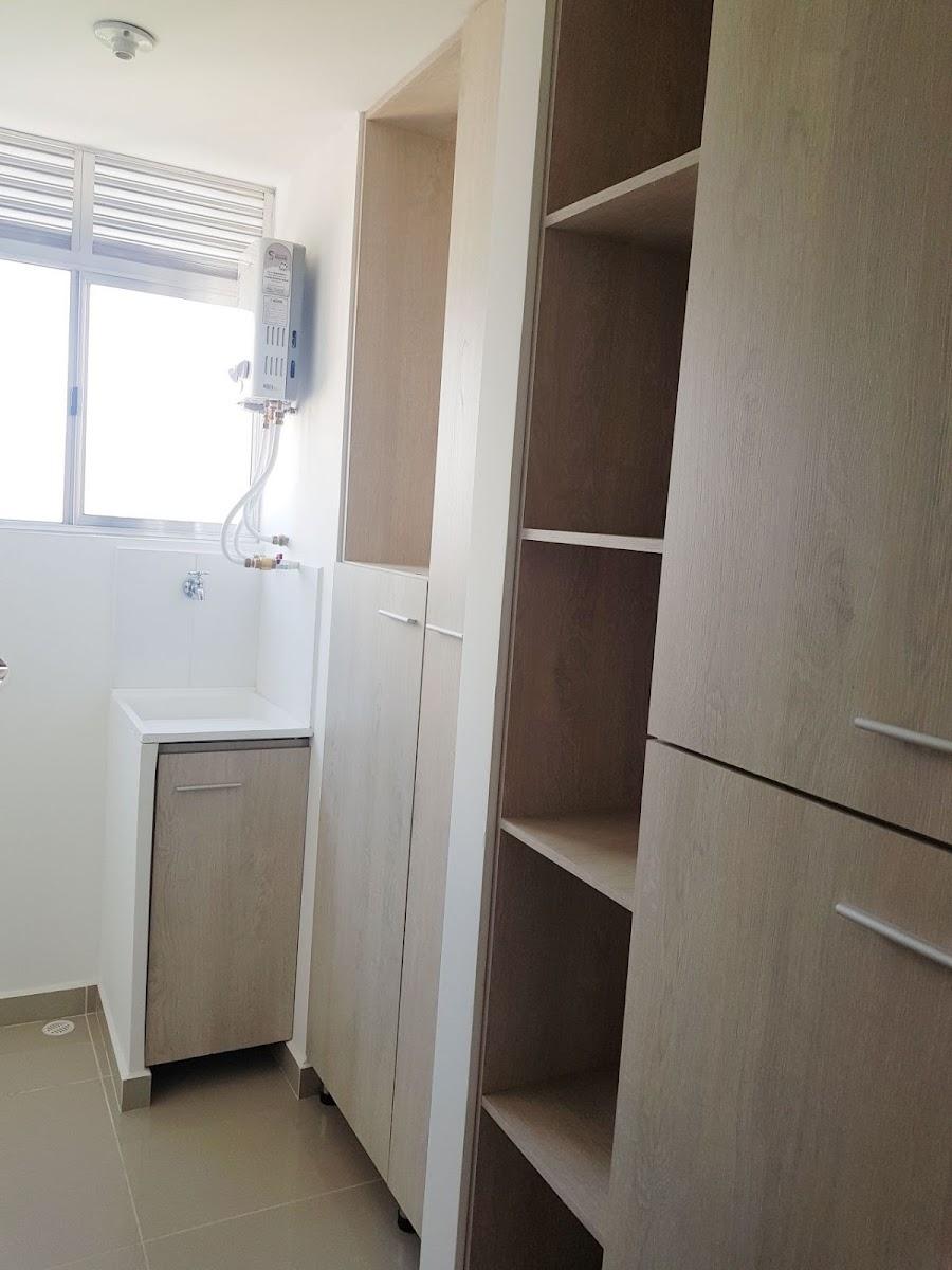 apartamento en arriendo prados de sabaneta 679-20852