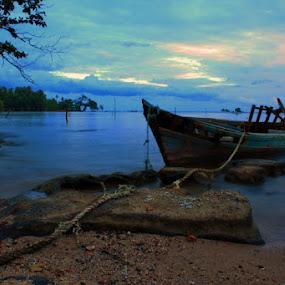 Broken Down by Iwenk Apriwan - Transportation Boats