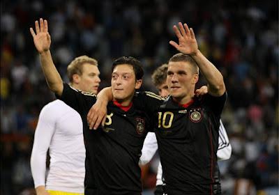 Lucas Podolski à la rescousse de Mesut Ozil