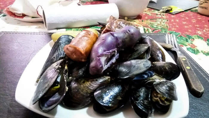 curanto+minga+seafood+chiloe+castro+chile+food.jpg