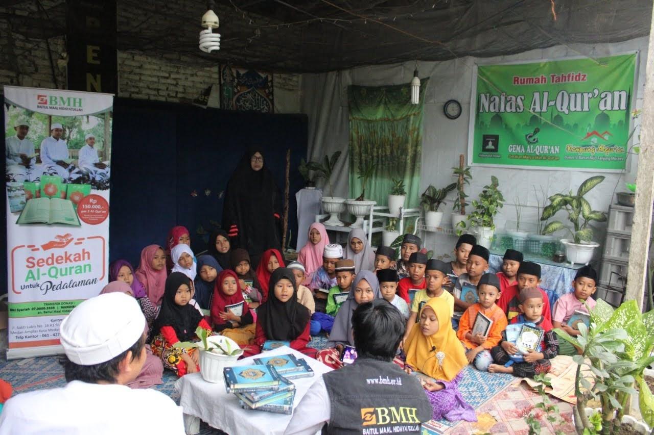 BMH Salurkan Al-Quran Untuk Rumah Tahfidz di Deli Serdang