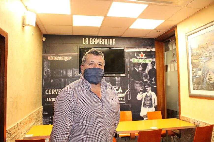 Alejandro Mengíbar, gerente del bar La Bambalina.