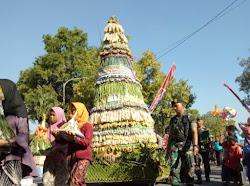 Pawai Gunungan HUT Kabupaten Ngawi