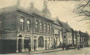 Photo: 1918 Dreef met Vleeschhouwerij C. Lips-Nooyens en Protestante Kerk.
