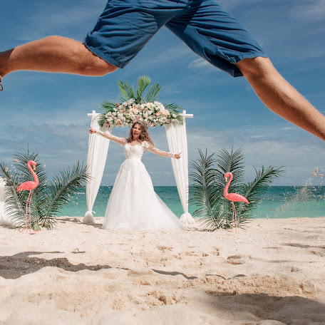 Wedding photographer Zhenya Razumnyy (BoracayPhotoRaz). Photo of 26.01.2018