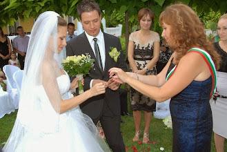 Photo: Сватбеният ритуал на красивите младоженци в ресторант Вила Марциана близо до Варна.