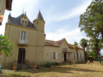 manoir à Villecomtal-sur-Arros (32)