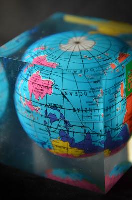 Il mondo va così! di kyra