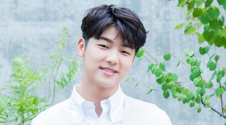 Kang-Min-hyuk-Byeol-Korea