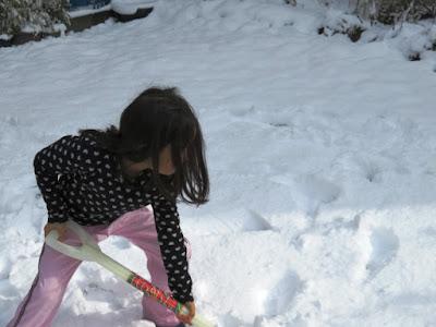 雪やこんこ。ご近所さんたちと雪かきを楽しもう!