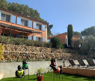 villa à Saint-Zacharie (83)