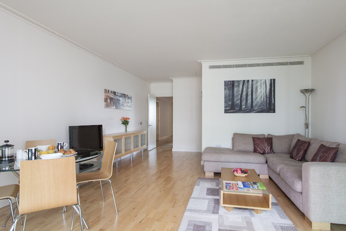 Living area at South Quay Serviced Apartments