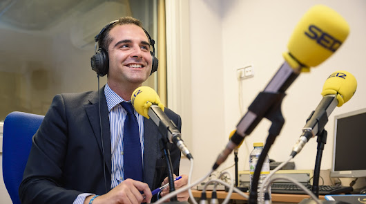 El alcalde de Almería se pone la camiseta