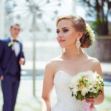 Wedding photographer Elina Kabakova (artvisionlv). Photo of 05.10.2017