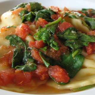 Ravioli with Spinach and Tomatoes