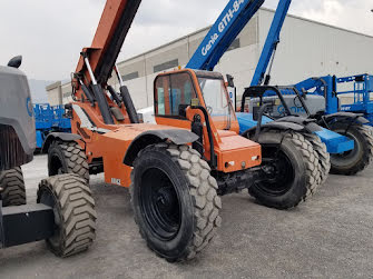Picture of a JLG 8042