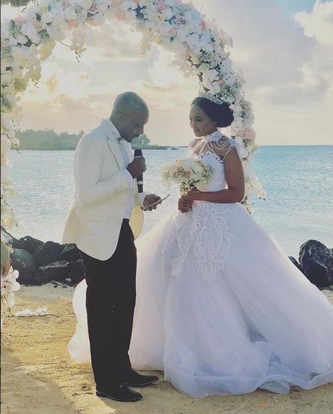 Weddings Pictures Gallery: Lebo Gunguluza's Lavish Mauritius White Wedding