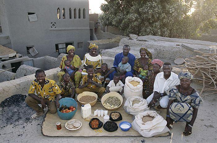 MOUO9pd NQWUVIrStRMs6G2OLsMHtyD0reAgQSW4KHQ=w700 h462 no - Недельный запас еды для семьи в разных странах мира (фото)