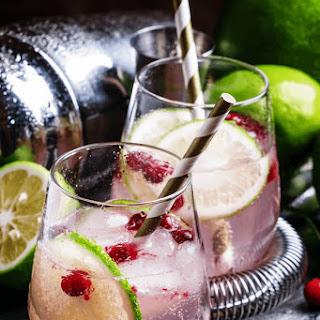 Pom Fizz Cocktail.