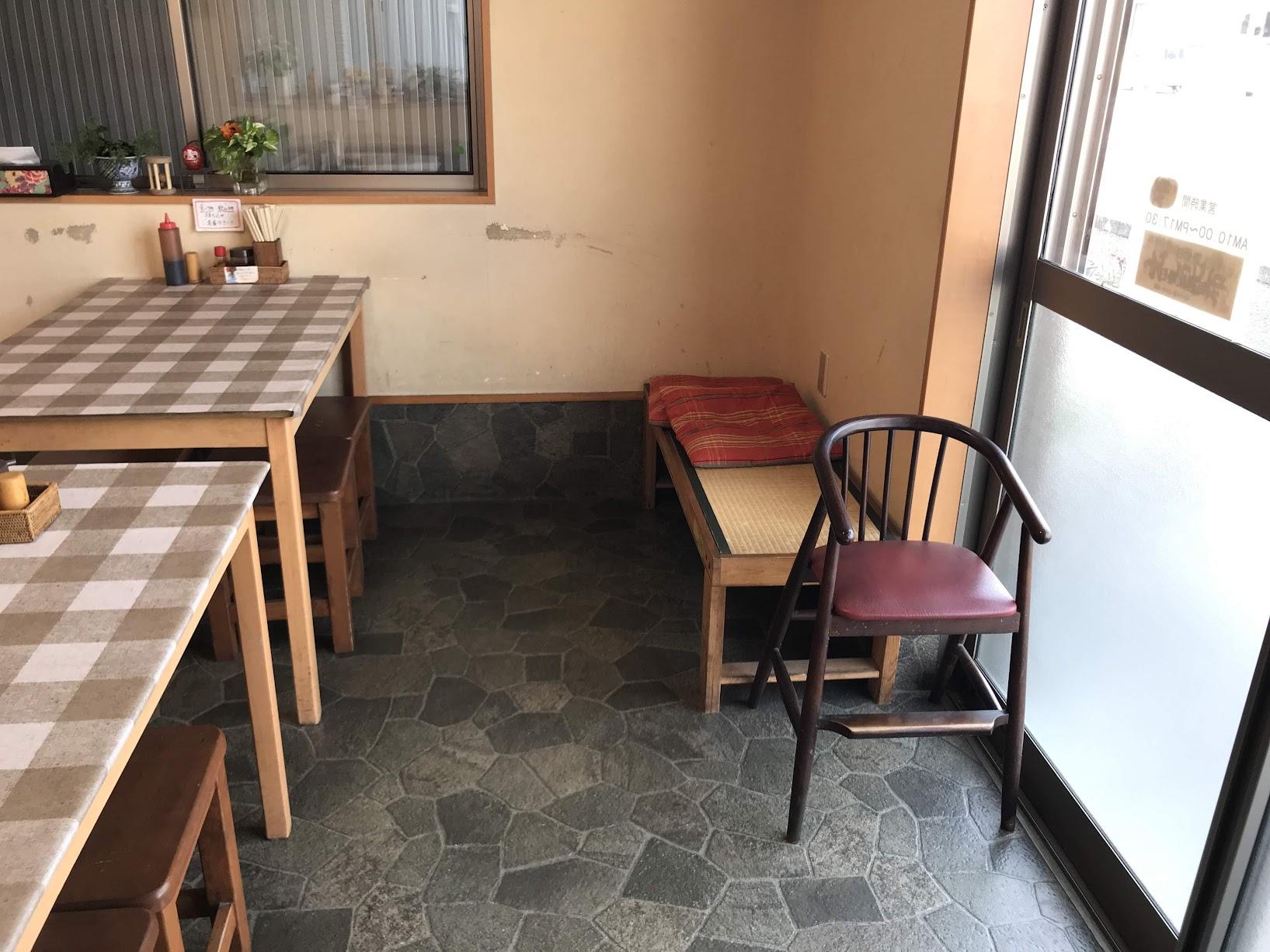 岡本食堂店内