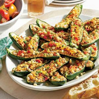 Zucchini Stuffed with Lady Peas