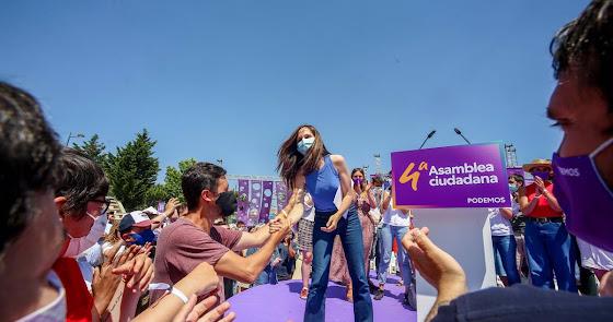 La ministra Belarra sustituye a Iglesias al frente de Podemos