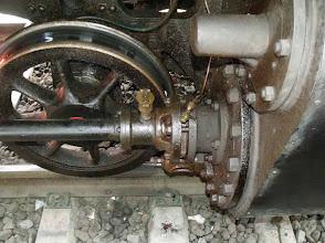 Photo: Cylindre et roue du bogie