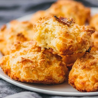 Low Carb Biscuits with Bacon and Cheddar Recipe