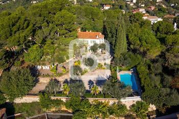 Villa 8 pièces 265 m2
