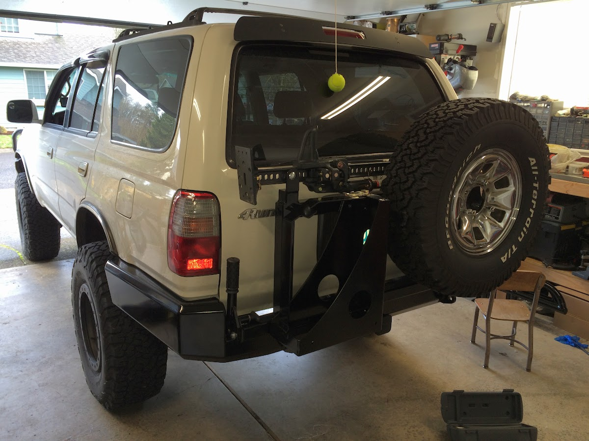 how to change a tyre on a 93 4runner
