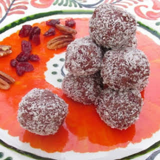 Cranberry, pecan and chocolate energy balls for Thanksgiving.