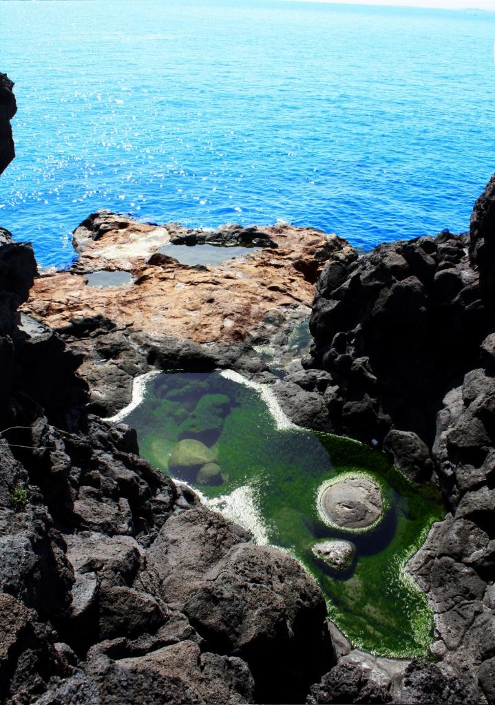 L'unione tra roccia e mare di bludiseal